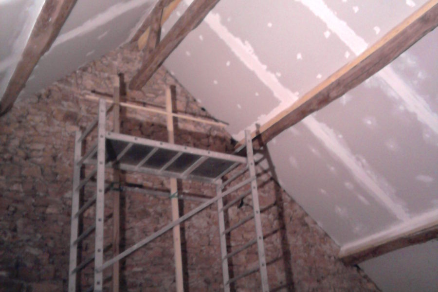 Jointing and sanding plasterboard